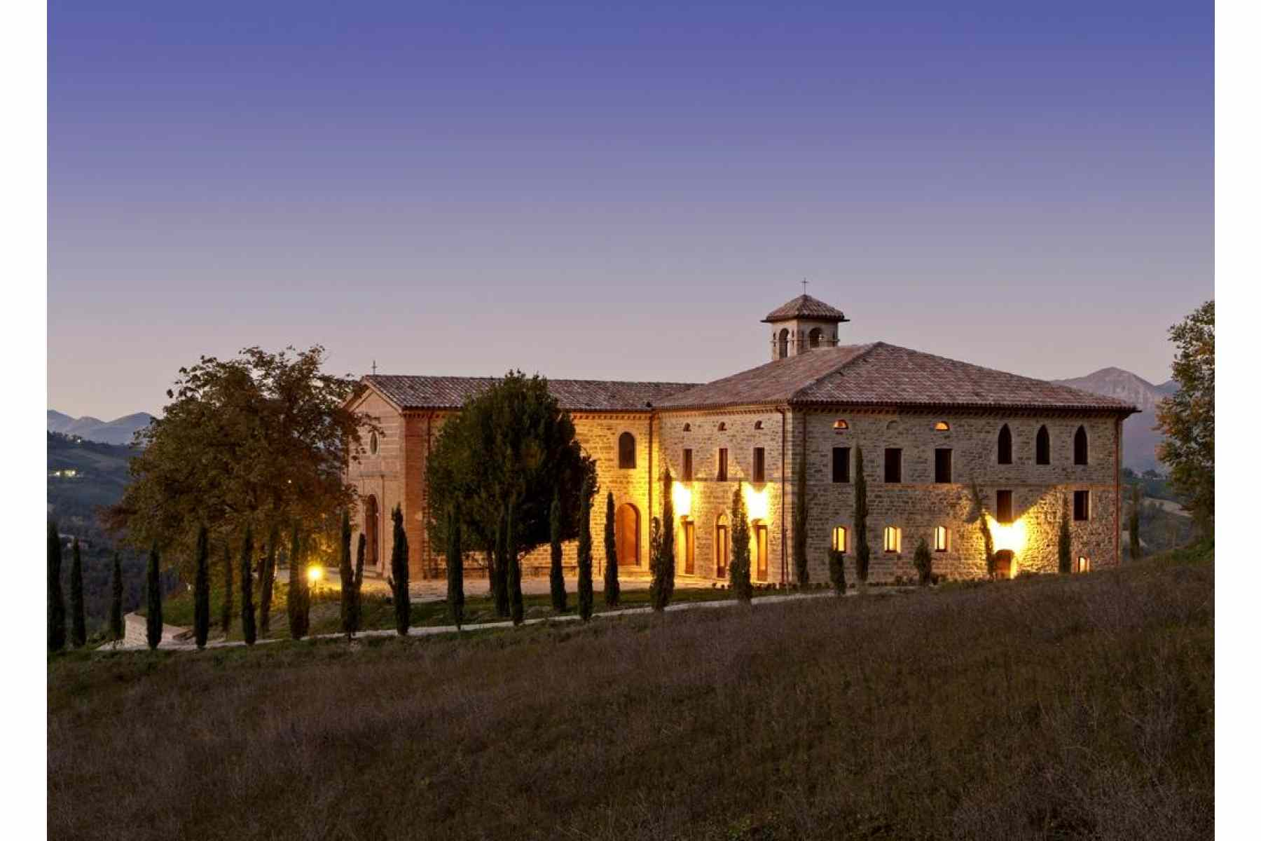 Civil or Symbolic LUXURY Wedding Package in Umbria up to 50 guests