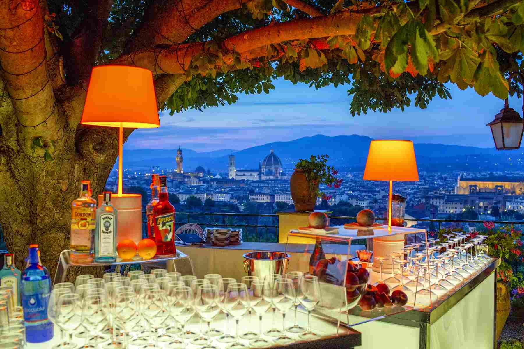 Romantic garden Wedding in Villa - Florence Wedding Package
