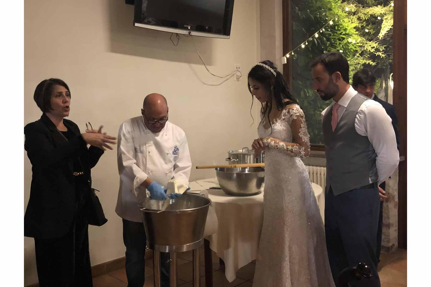 Pre-weddingMozzarella Class experience Wedding Package